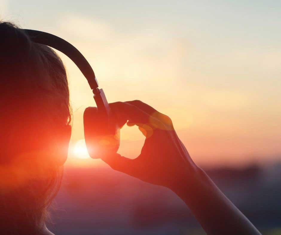 Tirarsi su con la musica